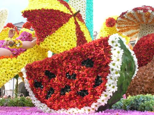sculture con i fiori giorno dopo giorno foto dal web