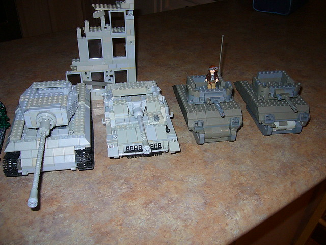 NewProjects KingTiger StuGIV Sherman 1