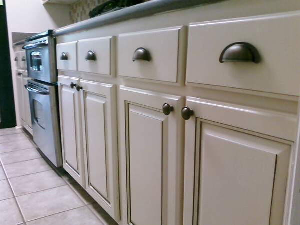 Off white and glaze kitchen cabinets flickr photo sharing - Off white cabinets with chocolate glaze ...