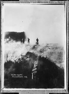 Wairoa Geyser, Whakarewarewa, 1908