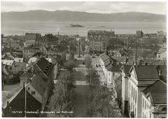 Trondheim - Munkegaten ved Rådhuset