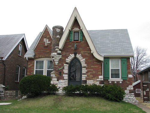 Dotage st louis tudor revival historic district for Small tudor homes