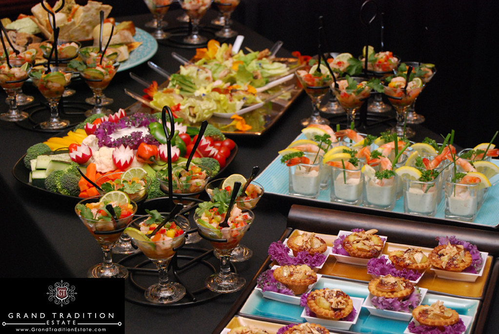 Wedding Reception Hors d\' Oeuvres at the Grand Tradition Estate in ...