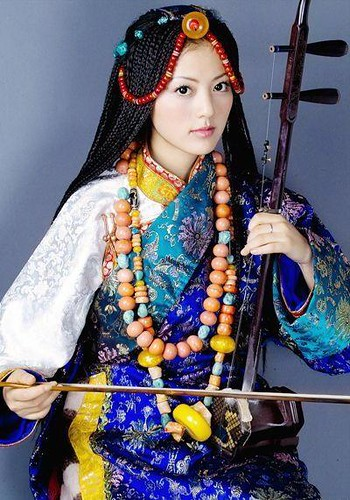 Dawazuoma, a Tibetan musician and PLA soldier