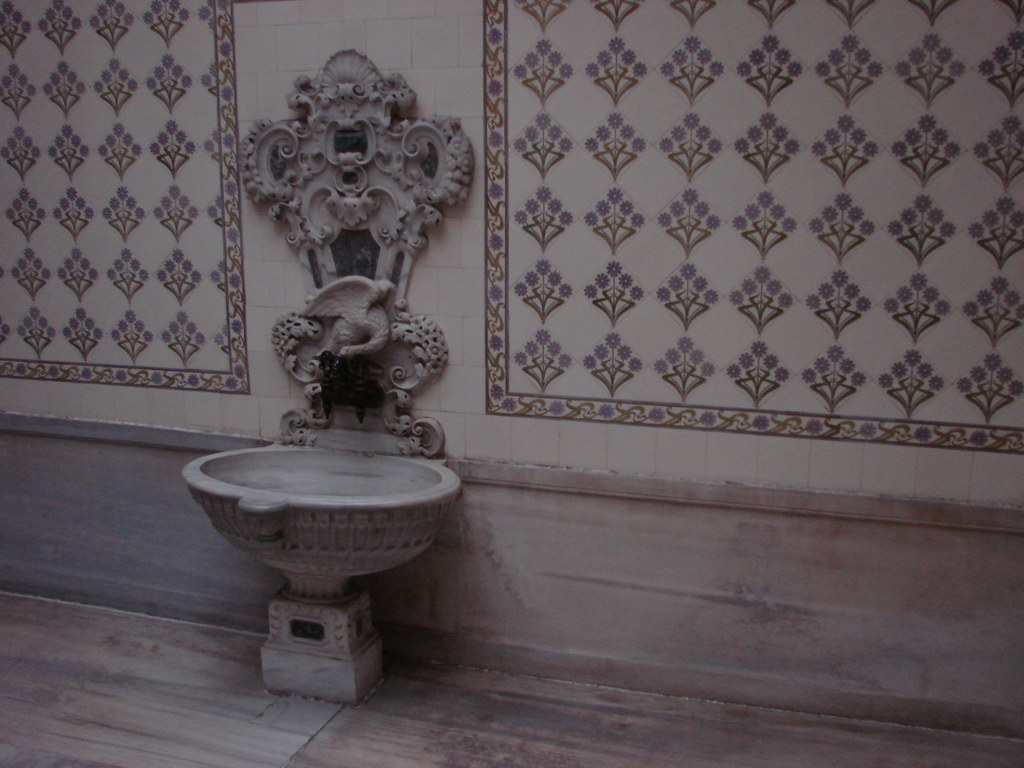2007-03-11 03-17 Istanbul 128 Dolmabahce Palast Harem Hamam