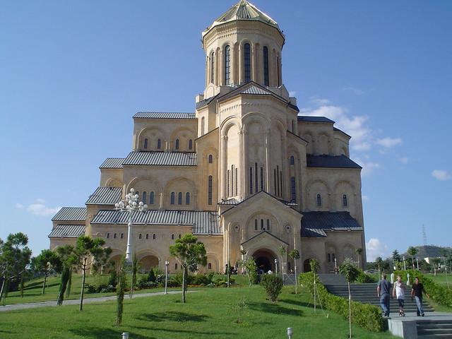 Tsminda Sameba Cathedral - Flickr CC adragnes
