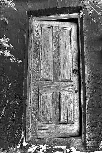 a6772_2_3_1: The Old Door Ajar