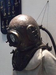 costume(0.0), lighting(0.0), headgear(0.0), personal protective equipment(1.0), clothing(1.0), gas mask(1.0), iron(1.0), mask(1.0),