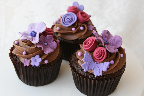 Hydrangea and romantic flower cupcakes