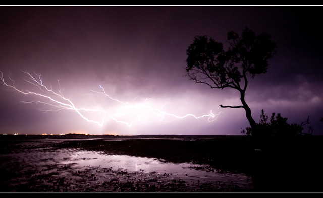 2961353282 7a14ba38ab z [Pics] Flickr Spotlight #2 – 15 Images Of Extreme Weather