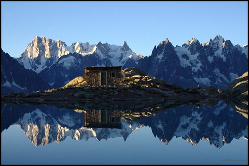 mountain alps reflection alpes landscape climb altitude hike hut mountaineering treck lacblanc p1f1 lacblanc0708