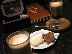 Tomando un Cafe - Calafate - Argentina