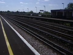 Berrylands platform