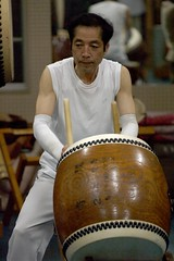 string instrument(0.0), drums(0.0), hand drum(0.0), athlete(0.0), string instrument(0.0), percussion(1.0), drummer(1.0), barrel drum(1.0), drum(1.0), skin-head percussion instrument(1.0),