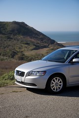 volvo v70(0.0), automobile(1.0), automotive exterior(1.0), executive car(1.0), wheel(1.0), vehicle(1.0), automotive design(1.0), mid-size car(1.0), volvo s80(1.0), compact car(1.0), volvo cars(1.0), land vehicle(1.0), luxury vehicle(1.0),