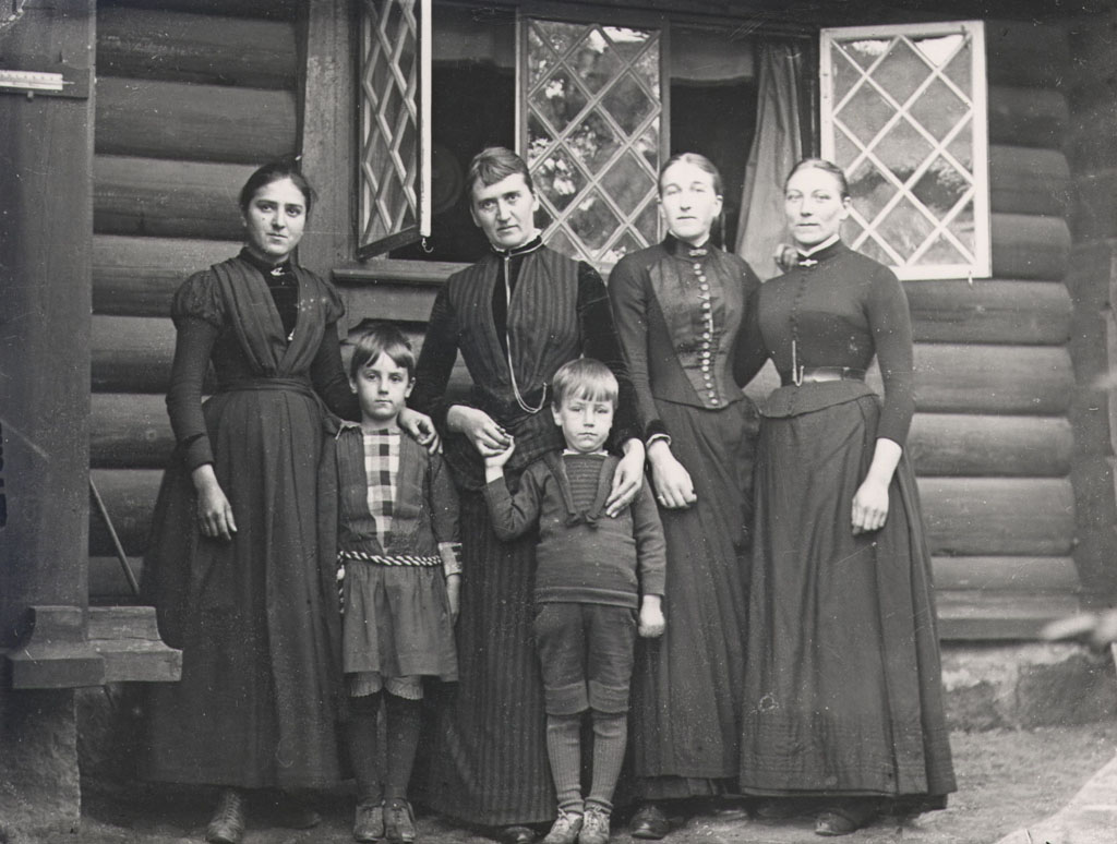 Servants and Curman's children, Lysekil, Sweden