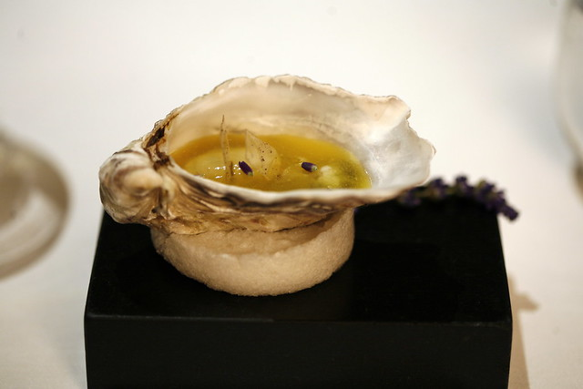 Oyster definition meaning for Fountainview fish market