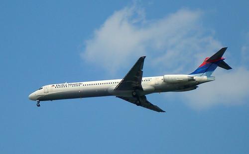Delta Shuttle MD88