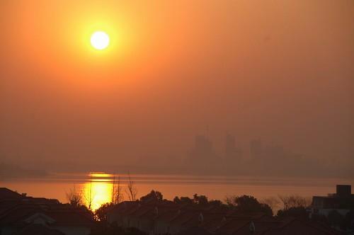 china lake sunrise colorful asia suzhou apartment prc jiangsu sip views100 jinjilake suzhouindustrialpark jinjihu worldtrekker 20080315dsc4249