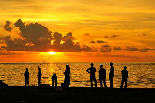 life travel sunset orange beautiful silhouette fun fishing nikon samurai maldives swordfight maale muha villingili nikonstunninggallery muhaphotos sharaff nikond300