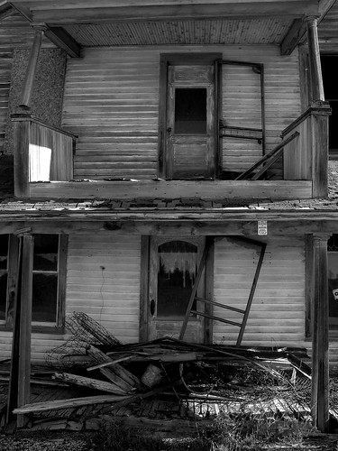 summer blackandwhite white black abandoned rural lost gloomy sad michigan gray dreary sunny forgotten disused remembered upperpeninsula decaying teardown rickety