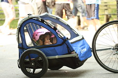 wheelchair(0.0), motorcycle(0.0), tricycle(0.0), bicycle trailer(1.0), wheel(1.0), vehicle(1.0), baby carriage(1.0),