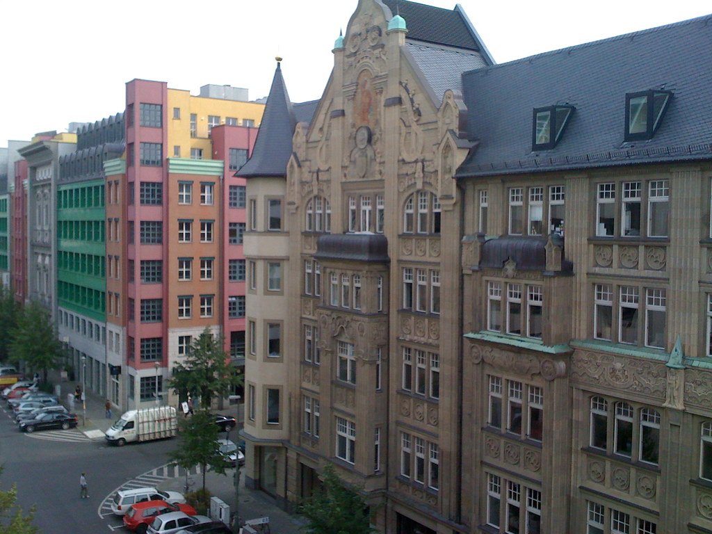 where to stay in mitte