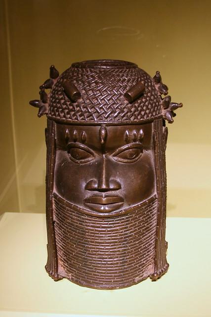 Commemorative head of a king, Edo peoples, Benin Kingdom, Nigeria, 18th century, Copper alloy, iron