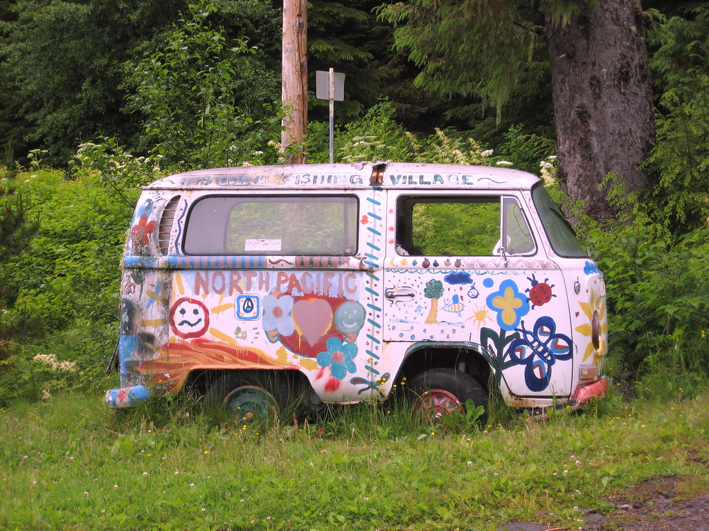 hippie bus a volkswagen type 2 van a photo on flickriver. Black Bedroom Furniture Sets. Home Design Ideas
