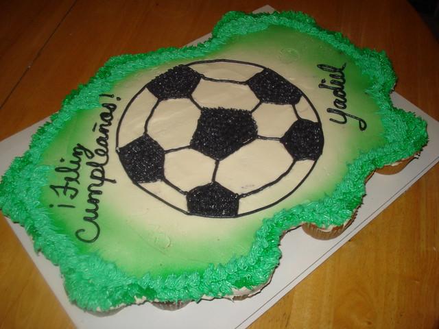 soccer ball cupcakes cake