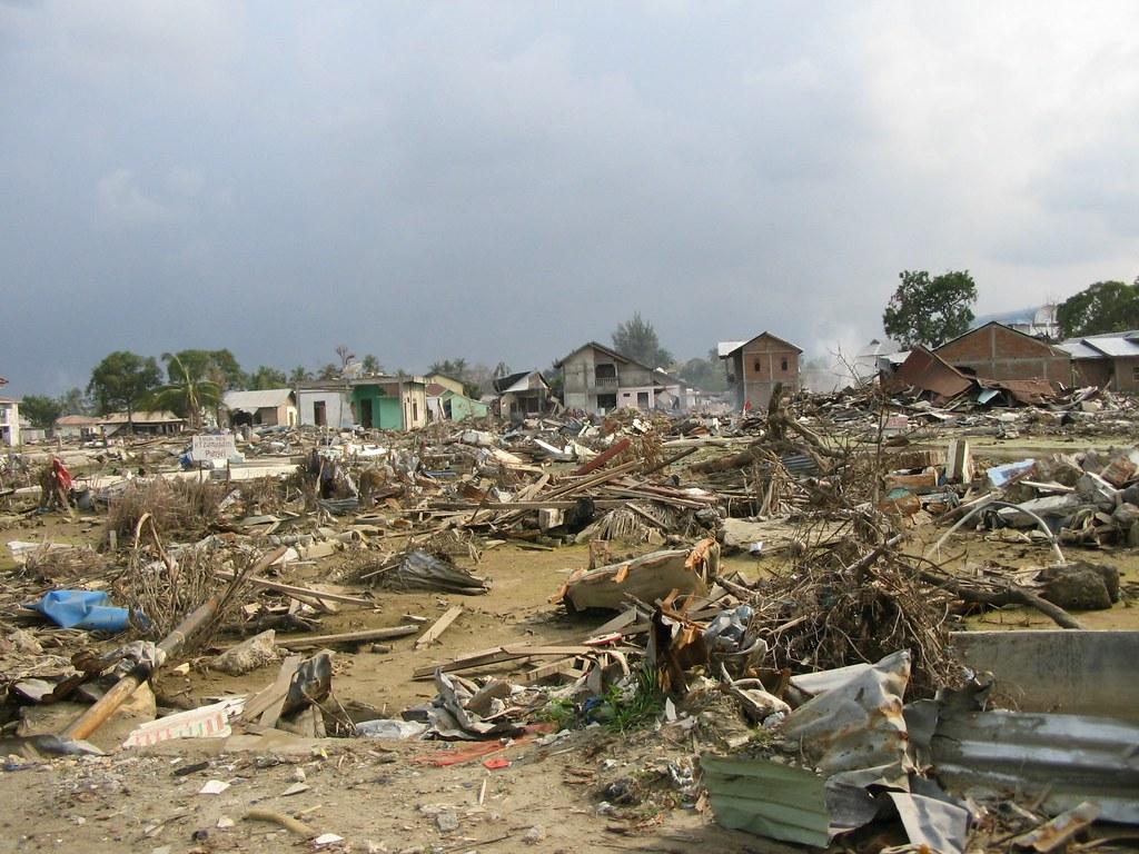 Tsunami Destruction Tsunami destruc...