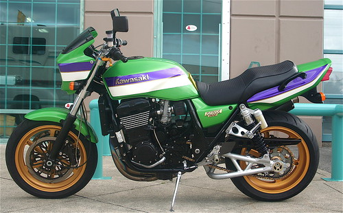 Kawasaki ZRX - over 500 views by abbenquesnel