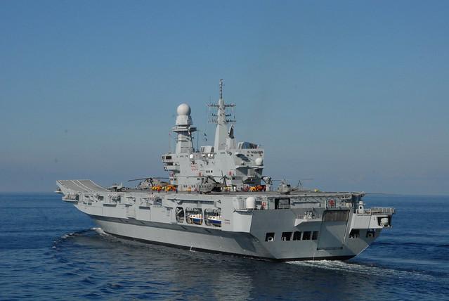 Portaerei cavour 550 italian aircraft carrier cavour - Cavour portaerei ...