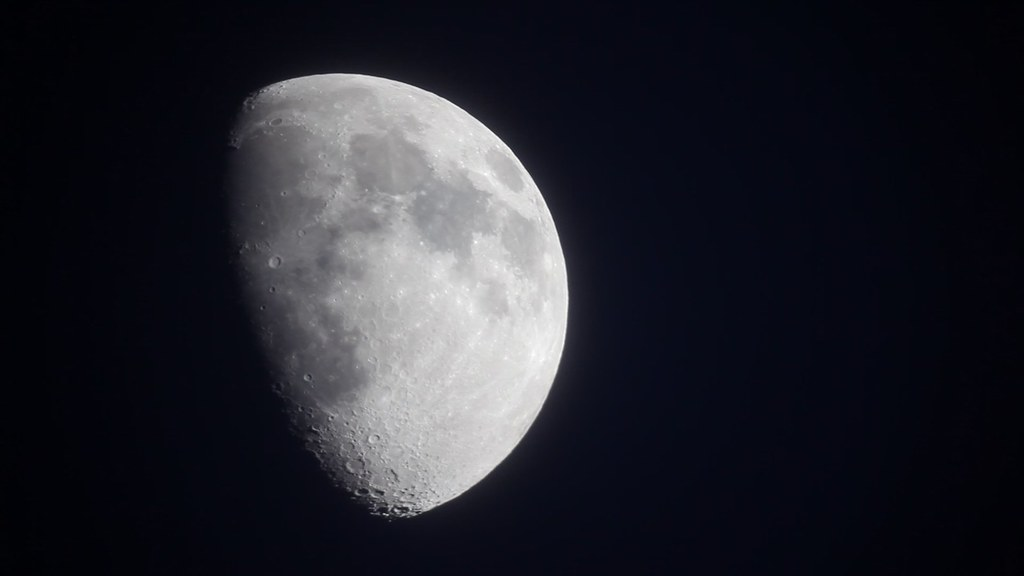 Canon 5D Mark II HD Video: Moon