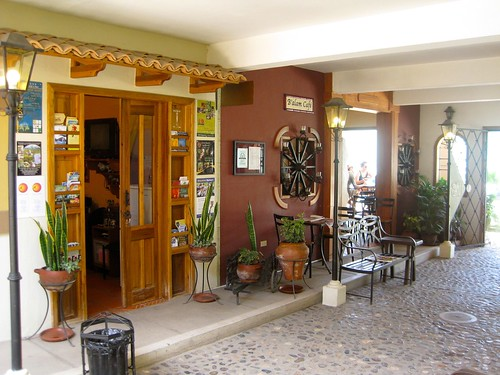 boutique-hotel-entry-area-copan-ruinas-honduras