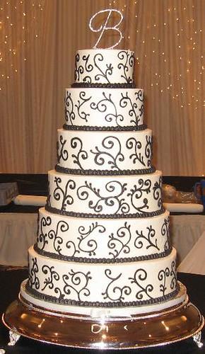 Black Swirl Wedding Cake