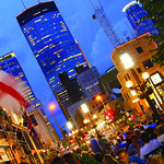 © Meet Minneapolis Brit's Pub diners enjoy a summer evening on Minneapolis' Nicollet Mall.