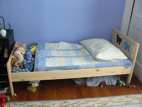 Как сделать своими руками детскую кровать фото