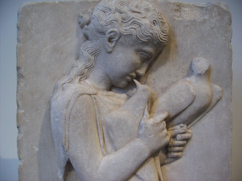Marble grave stele of a little girl with dove detail a for Graue stuhle