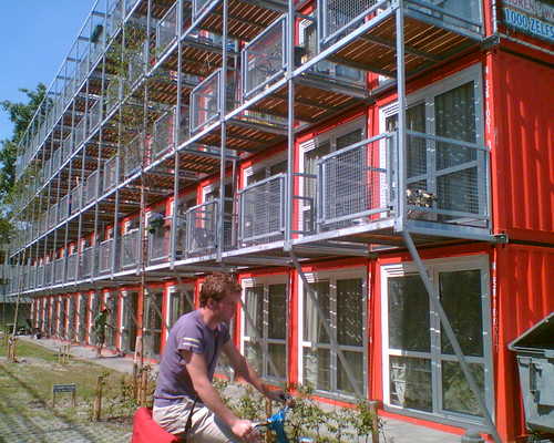 Keetwonen housing holland for Low cost apartments amsterdam