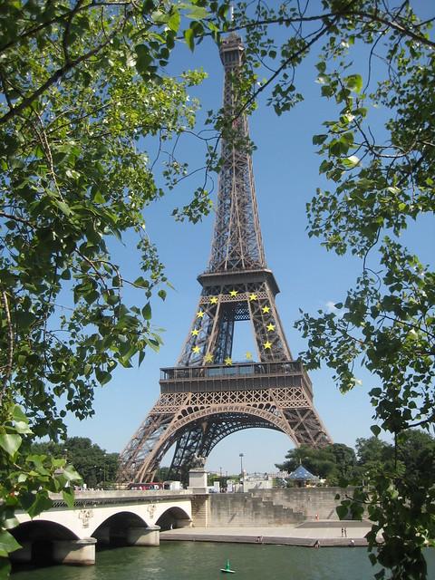 La Tour Eiffel ombragée
