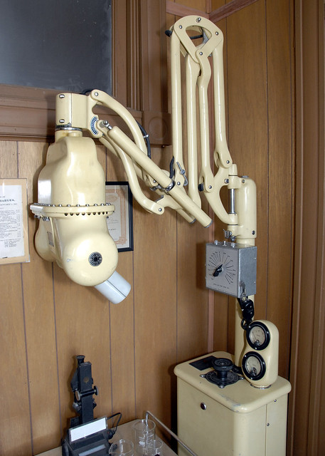 Vintage x ray machine