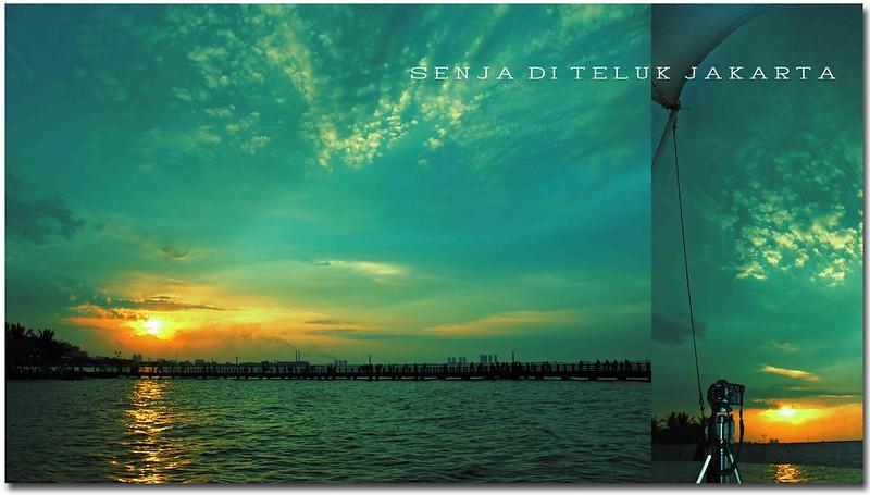 Senja di Teluk Jakarta