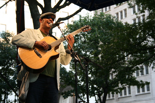Photo:Raul Midón @ Madison Square Park | 6.25.08 New York, NY By:jtmpix