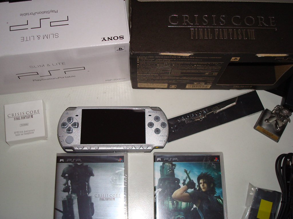 Crisis Core Final Fantasy VII Limited pack
