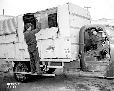 Historical Garbage Truck in Seattle - Seattle Municipal Archives