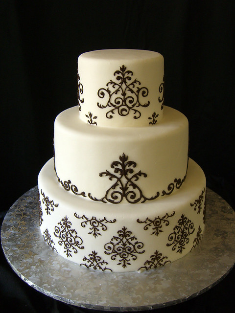 Damask Wedding Cake The bride wanted to incorporate the damask pattern that