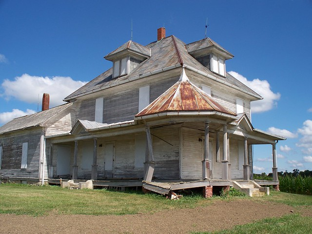 OH Seneca County - Abandoned House