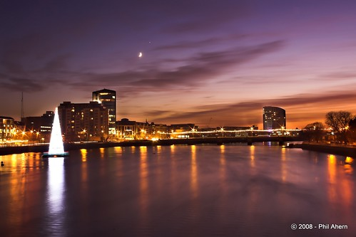 christmas ireland sunset colour tree night lights cityscape venus shannon limerick munsterphotographycom