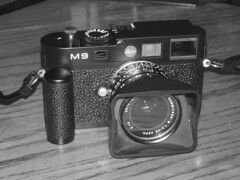 Leica M9: First Vintage B & W Shots, Night and Day